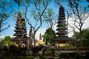 Đền thờ cung điện hoàng gia Tama Ayun