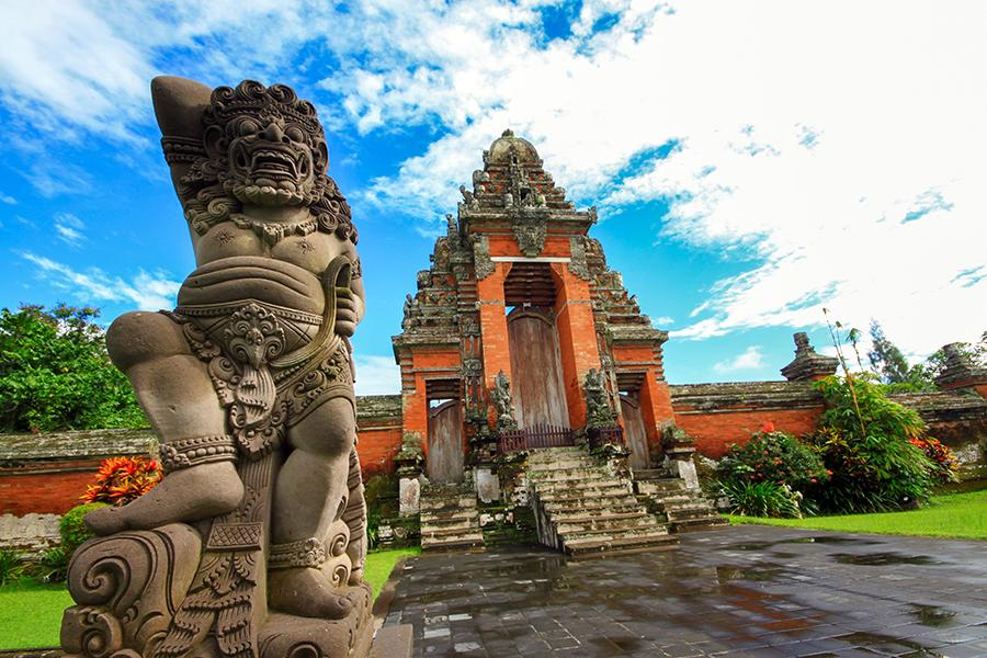 bali_royal_temple_of_mengwi2