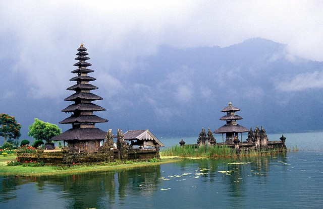 bali_temple.sized