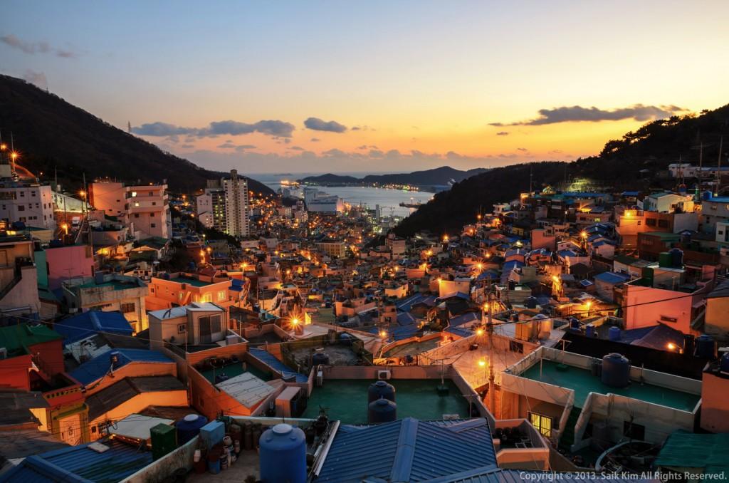 Đêm về ngôi làng rực sáng trong những ánh đèn vàng, du lịch hàn, du lịch hàn quốc, tour hàn, tour hàn quốc, du lcịh hàn quốc giá rẻ, tour hàn quốc giá rẻ, tour hàn giá rẻ, du lịch hàn giá rẻ, du lịch châu á, tour châu á, du lịch nước ngoài, tour nước ngoài, du lịch hè