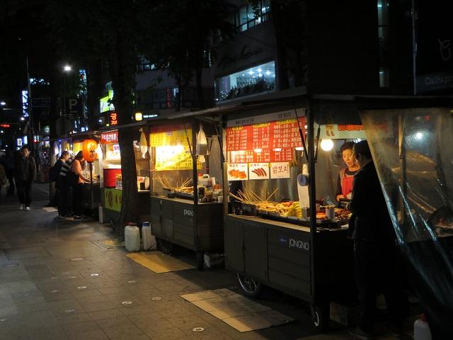 Các quầy hàng vỉa hè đặc trưng của Hàn Quốc, du lich han quoc, tour han quoc, du lịch hàn quốc, tour hàn quốc, du lịch hàn quốc gia rẻ, tour hàn quốc giá rẻ