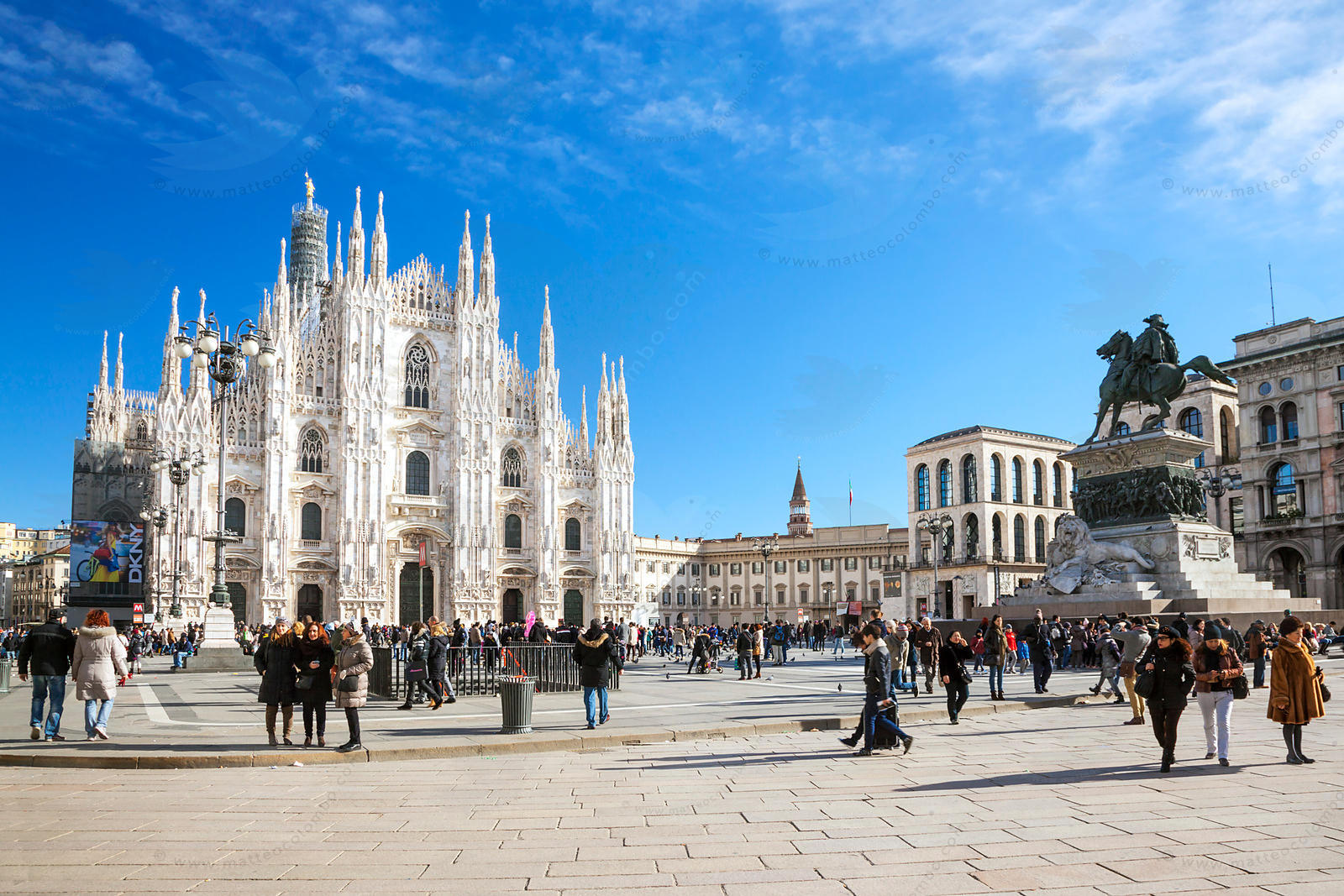 Italy, Lombardy, Milan. View of Piazza del Duomo in the city center