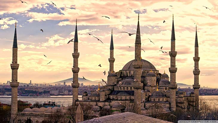 1-Resize-Why-visit-Istanbul-Turkey.-The-beautiful-architecture.-Photo-by-acempire