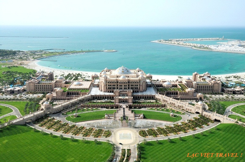 SUA emirates-palace-emirates-palace-aerial-1