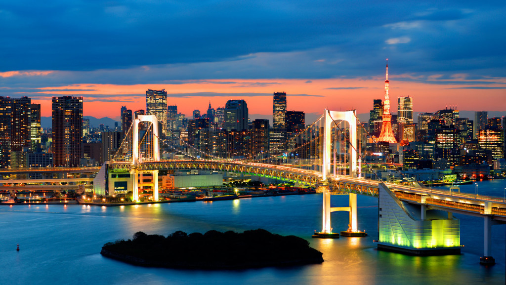 rainbow-bridge-spanning-tokyo-bay-with-tokyo-tower-visible-in-the-background-japan-twilight1-1024x577