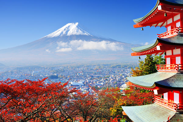 dg_150723_bigstock-Mt-Fuji-with-fall-colors-in-j-48491102