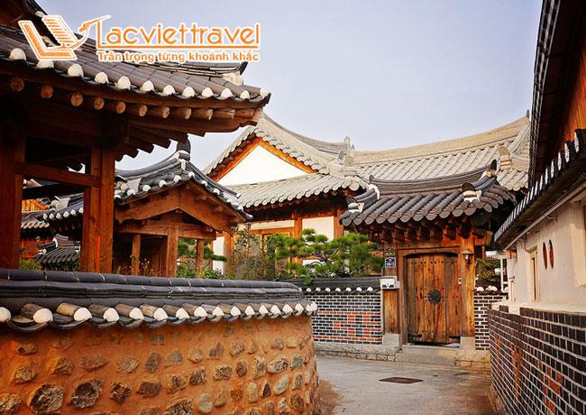 Làng dân tộc Hanok Namsan