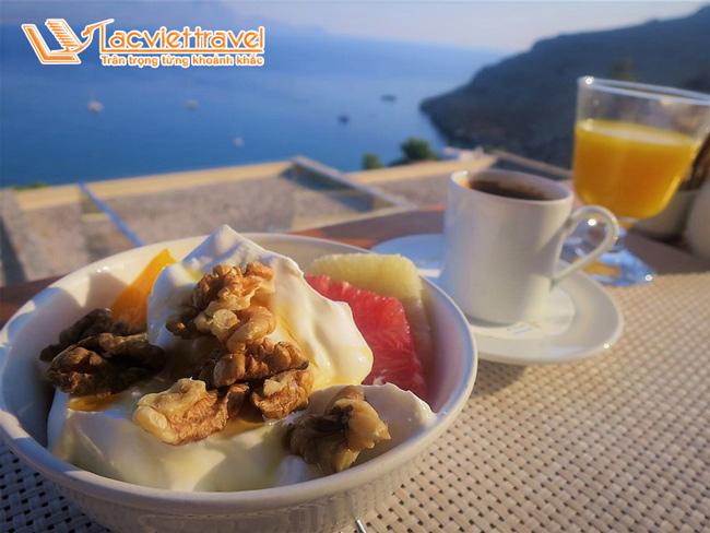 Du lịch ở Santorini - những nét ẩm thực ko thể chối từ