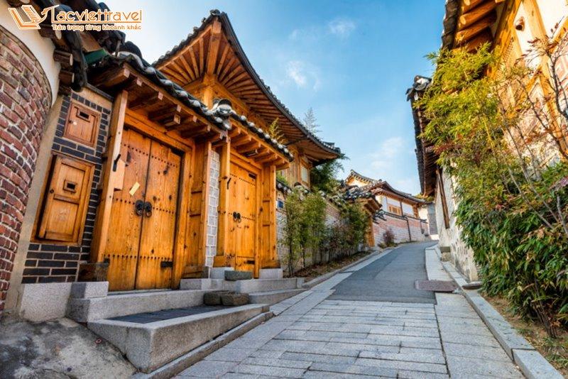 du lịch hàn quốc mùa hè làng cổ hanok village