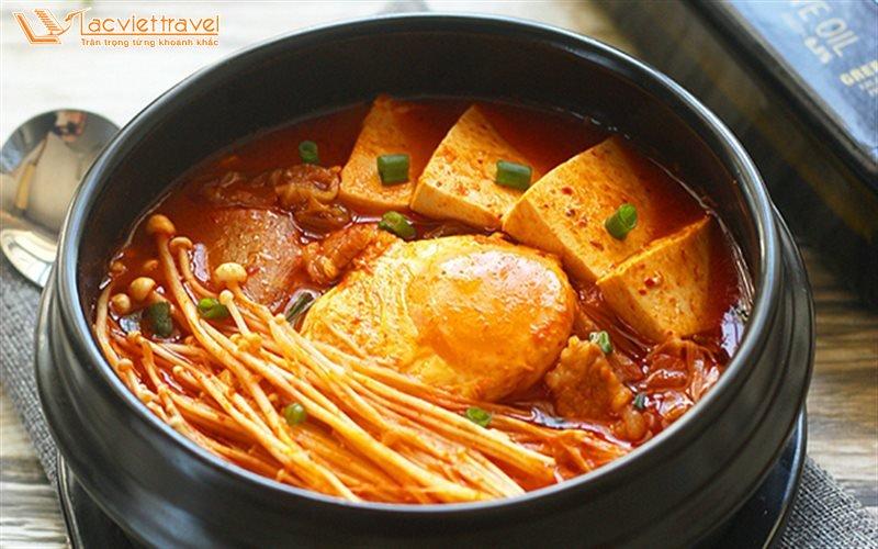 Món Ăn Hàn Quốc Mùa Đông Canh Kim Chi Ẩm Thực Hàn quốc du lịch hàn quốc