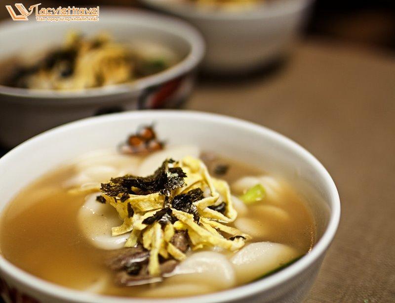 Món Ăn Hàn Quốc Mùa Đông Tteokguk Bánh Canh Gạo Ẩm Thực Hàn Quốc Du Lịch Hàn Quốc